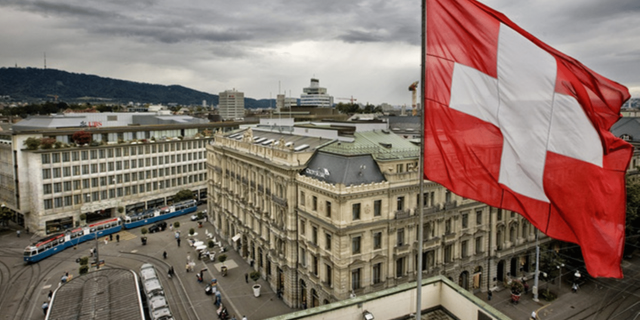 Swiss-Cryptocurrency-Market-Faces-Banking-Sector-Challenges.png