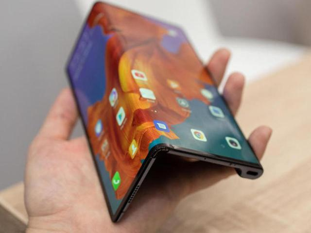 huawei-mate-x-hands-on-mwc-2019